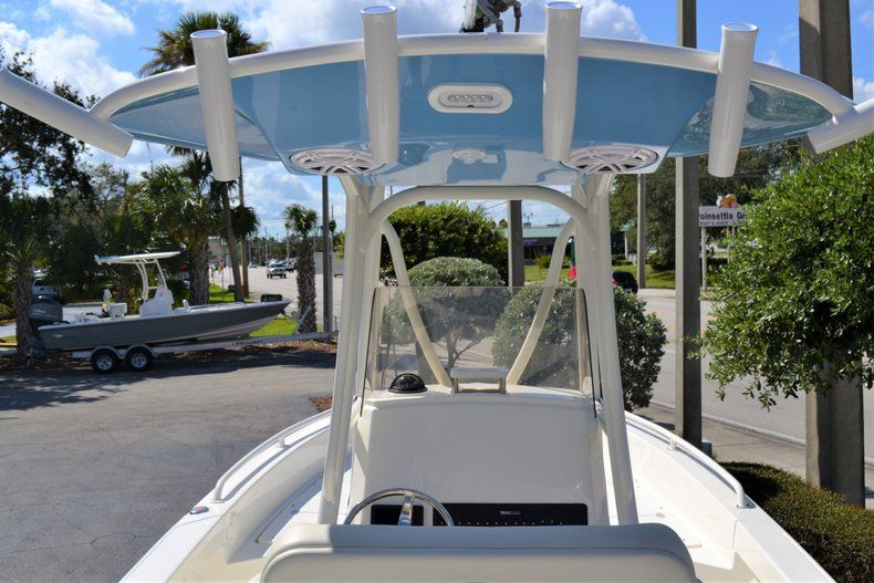 Thumbnail 11 for New 2020 Pathfinder 2600 TRS Bay Boat boat for sale in Vero Beach, FL