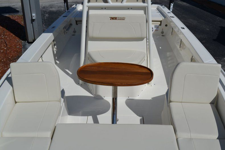 Thumbnail 17 for New 2020 Pathfinder 2600 TRS Bay Boat boat for sale in Vero Beach, FL