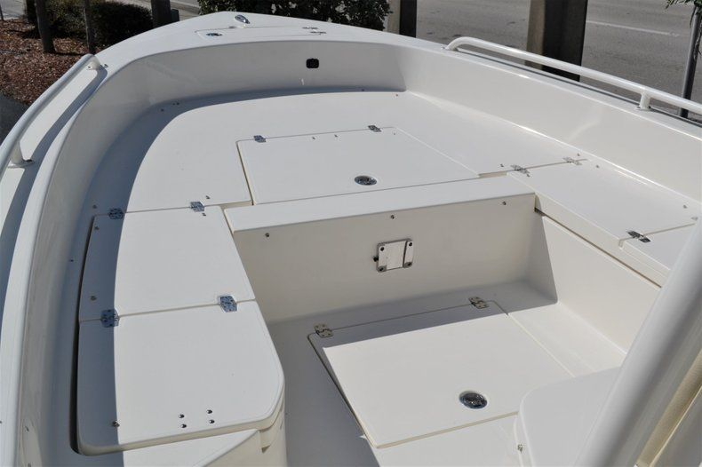 Thumbnail 13 for New 2020 Pathfinder 2600 TRS Bay Boat boat for sale in Vero Beach, FL