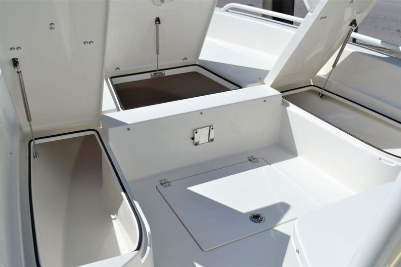 Thumbnail 15 for New 2020 Pathfinder 2600 TRS Bay Boat boat for sale in Vero Beach, FL