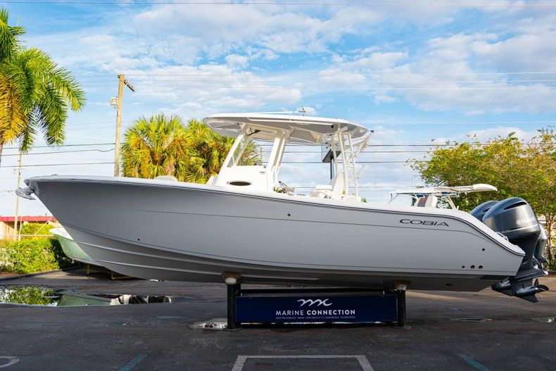 Thumbnail 4 for New 2020 Cobia 301 CC Center Console boat for sale in West Palm Beach, FL