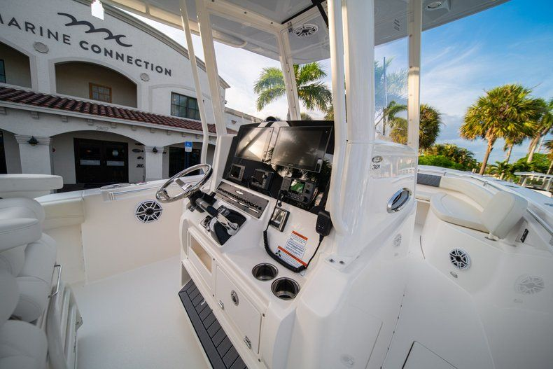 Thumbnail 29 for New 2020 Cobia 301 CC Center Console boat for sale in West Palm Beach, FL