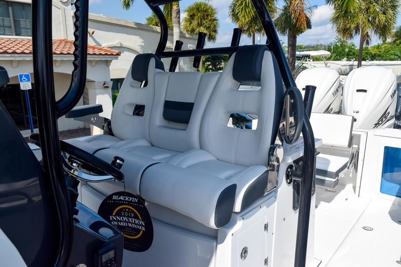 Thumbnail 58 for New 2020 Blackfin 332CC Center Console boat for sale in Fort Lauderdale, FL