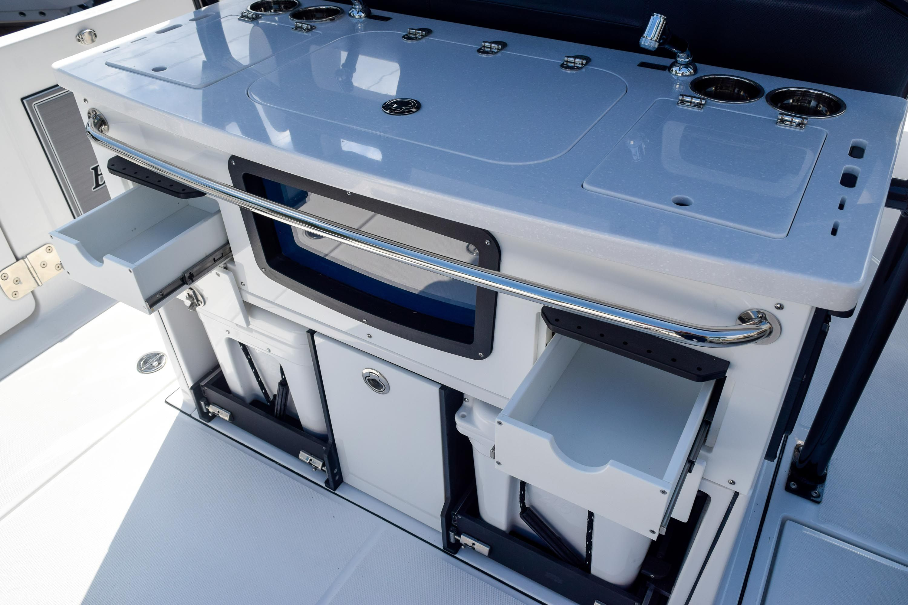Thumbnail 36 for New 2020 Blackfin 332CC Center Console boat for sale in Fort Lauderdale, FL