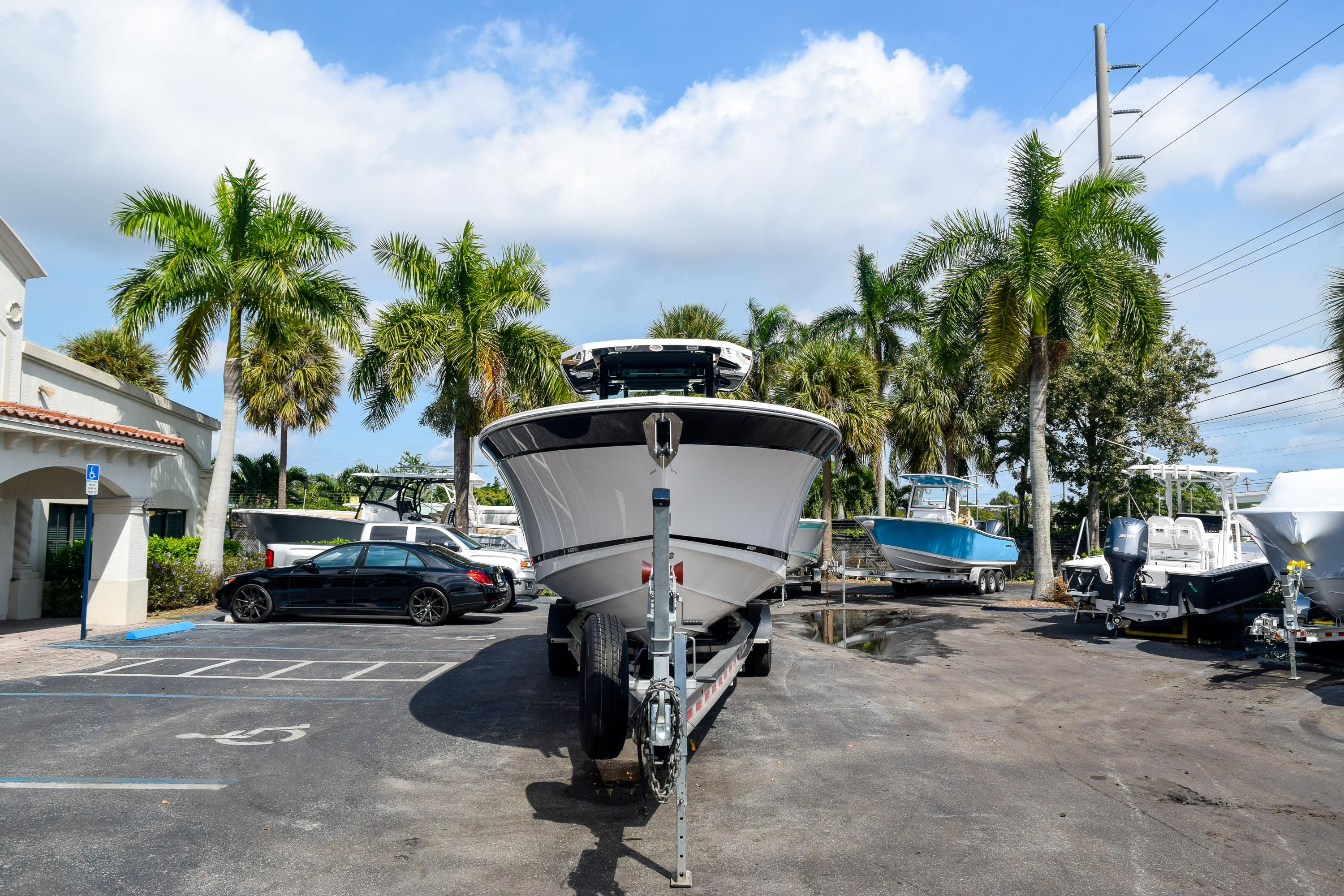 Thumbnail 8 for New 2020 Blackfin 332CC Center Console boat for sale in Fort Lauderdale, FL