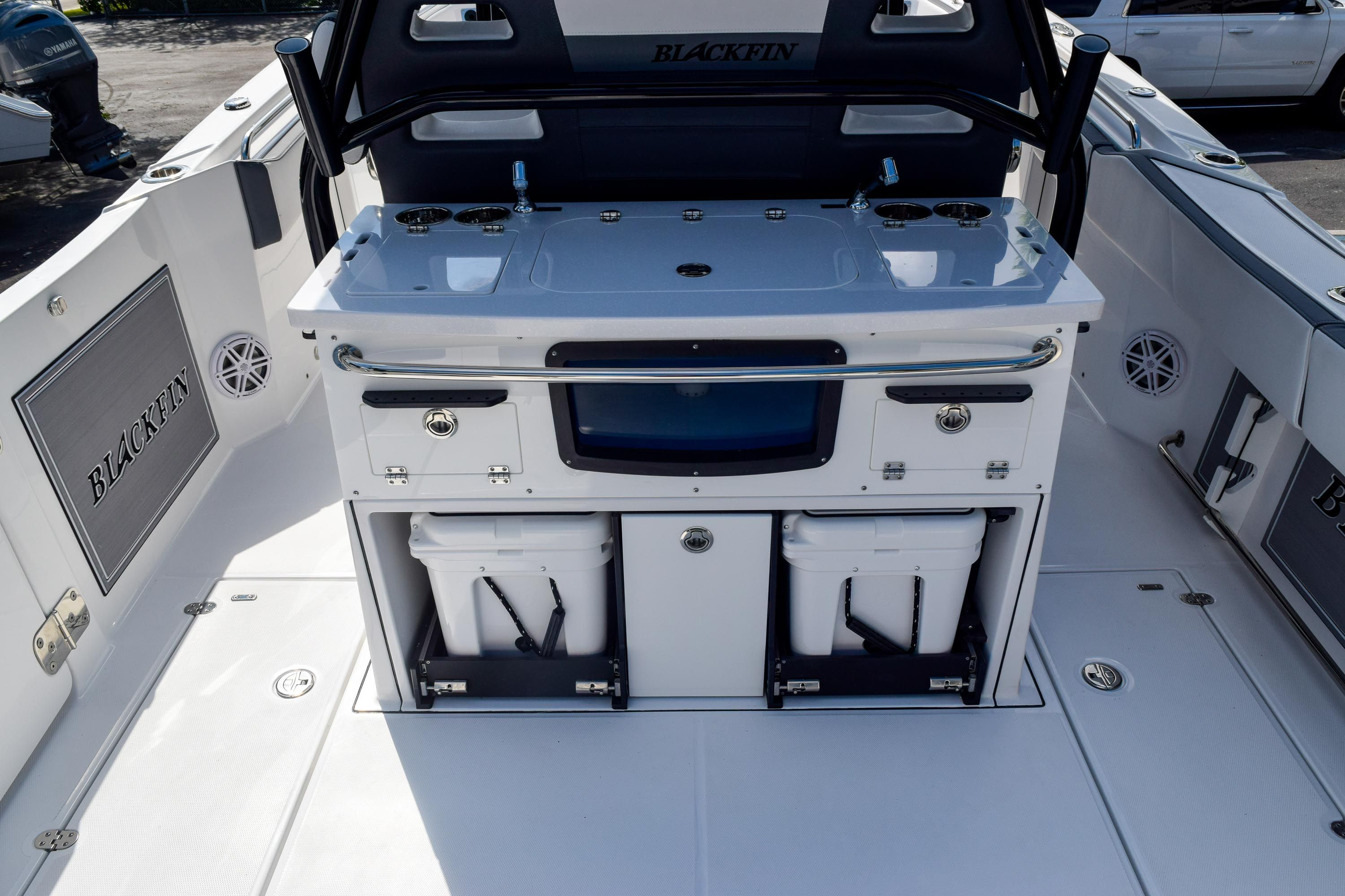 Thumbnail 24 for New 2020 Blackfin 332CC Center Console boat for sale in Fort Lauderdale, FL