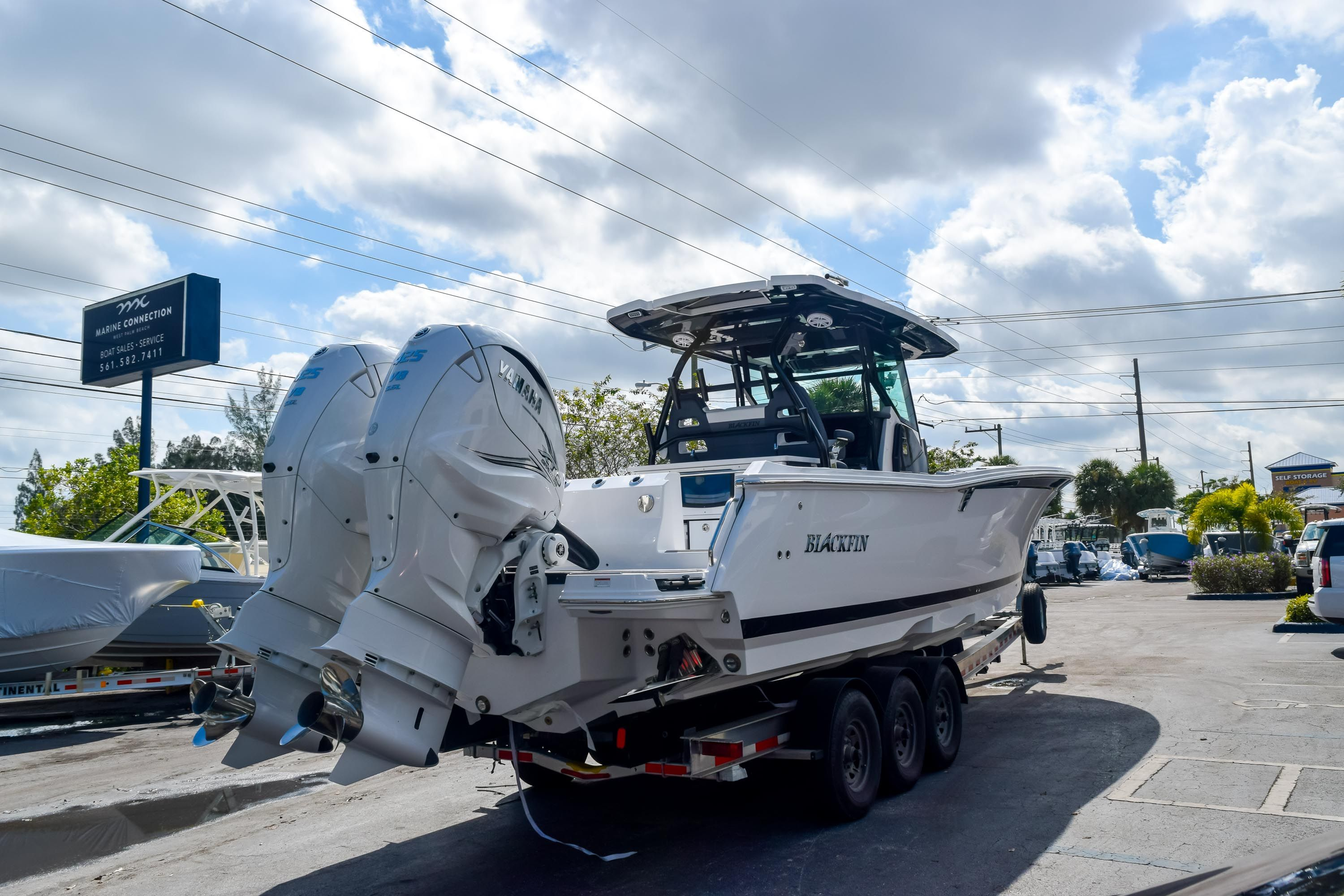 Thumbnail 4 for New 2020 Blackfin 332CC Center Console boat for sale in Fort Lauderdale, FL