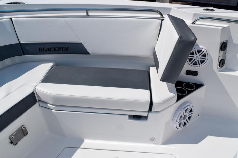 Thumbnail 81 for New 2020 Blackfin 332CC Center Console boat for sale in Fort Lauderdale, FL