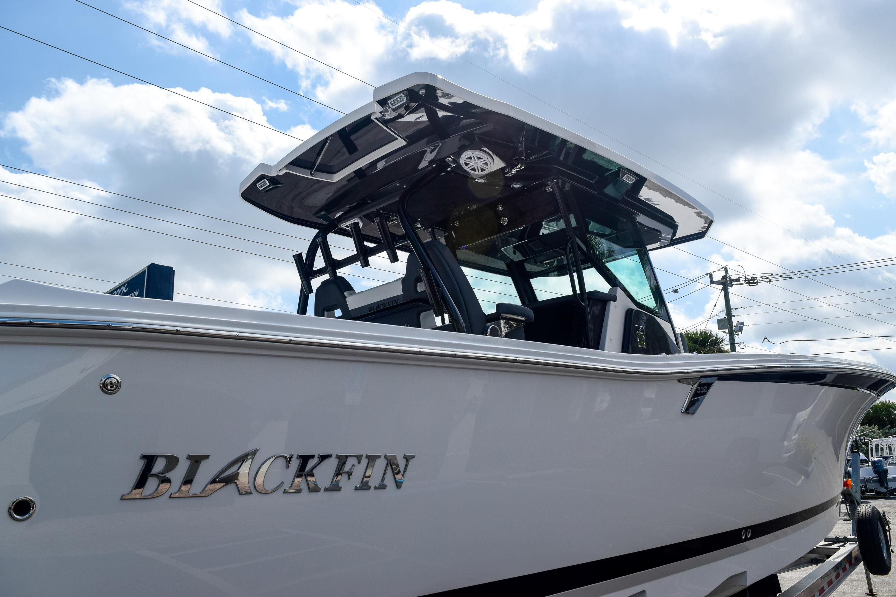 Thumbnail 9 for New 2020 Blackfin 332CC Center Console boat for sale in Fort Lauderdale, FL