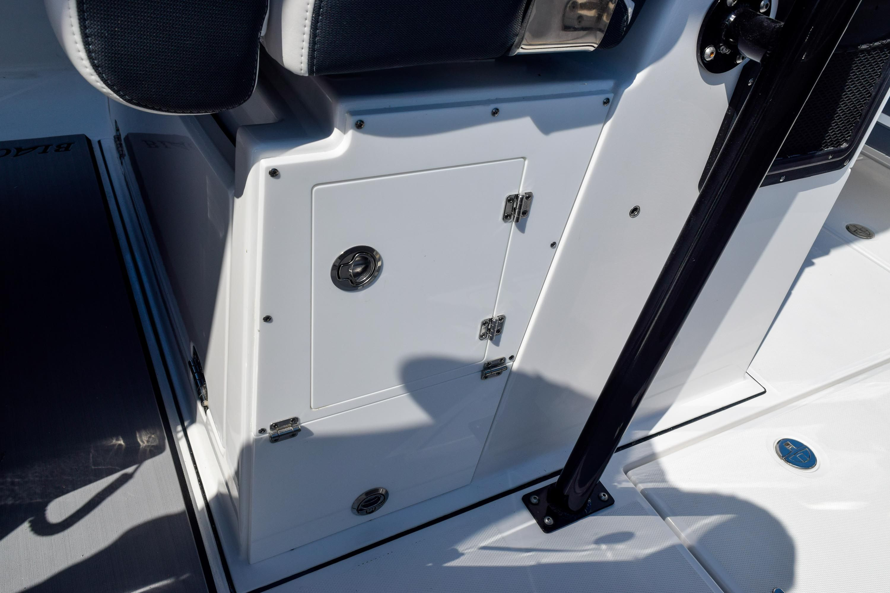 Thumbnail 59 for New 2020 Blackfin 332CC Center Console boat for sale in Fort Lauderdale, FL