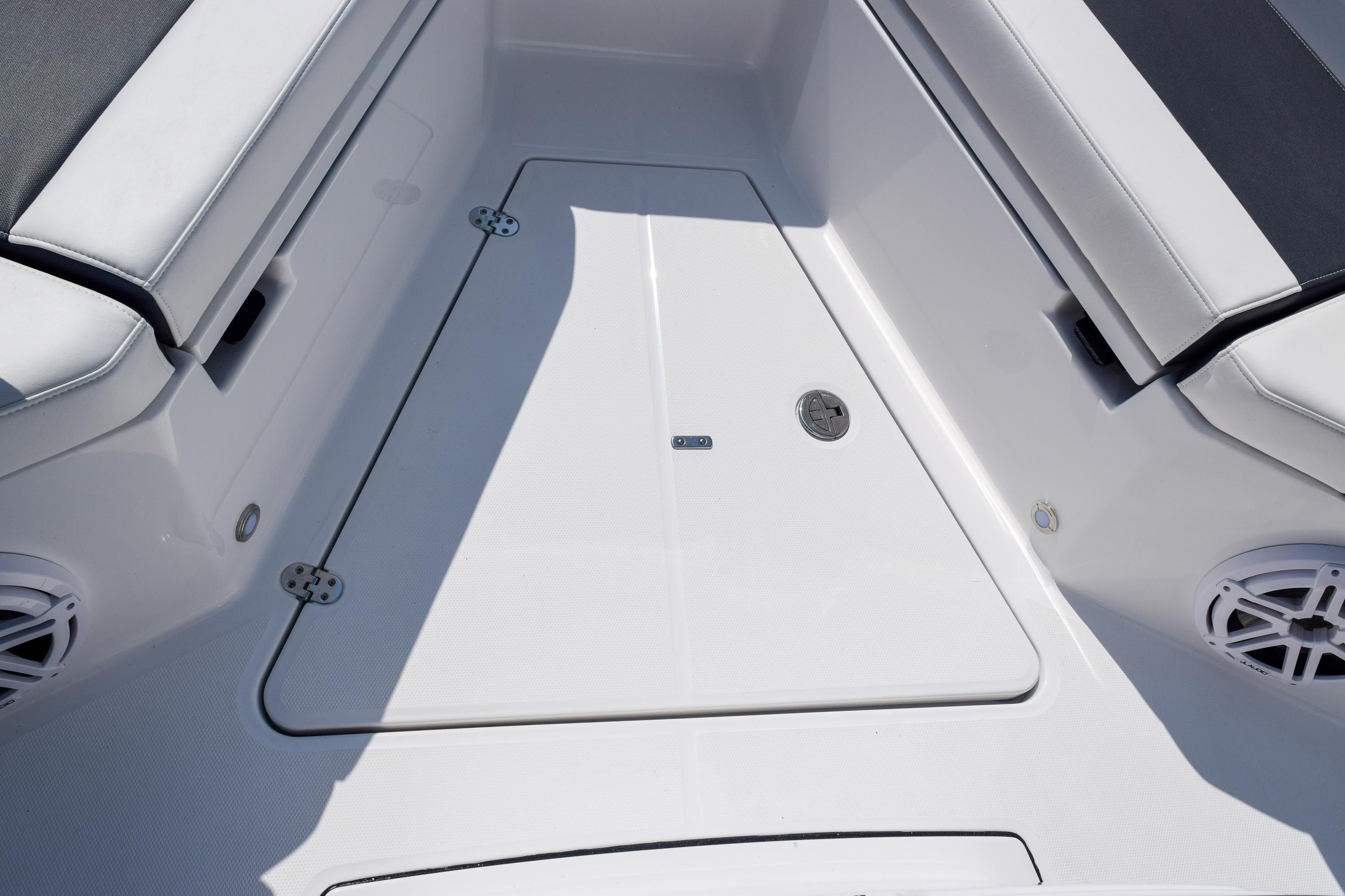 Thumbnail 76 for New 2020 Blackfin 332CC Center Console boat for sale in Fort Lauderdale, FL