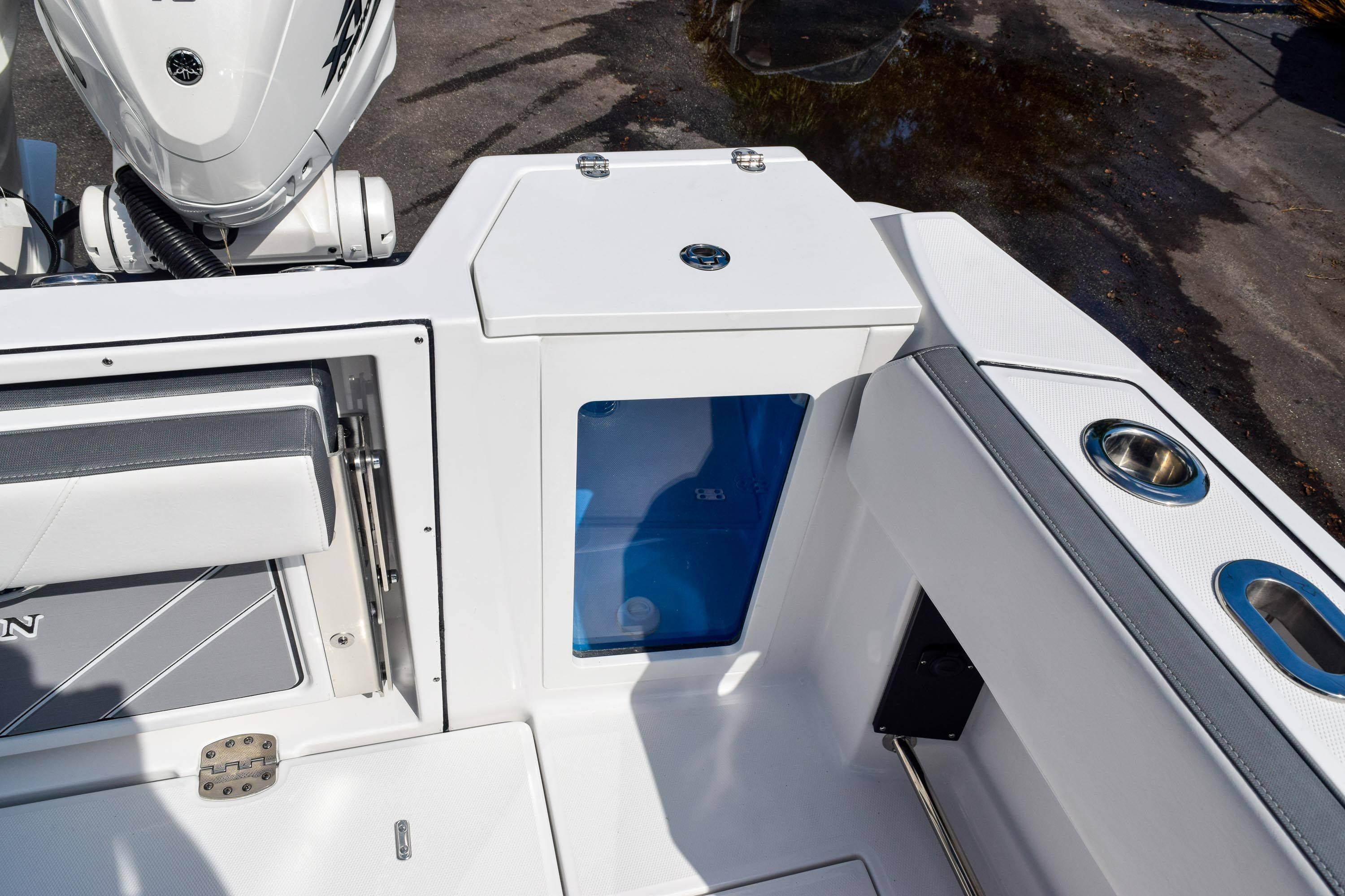 Thumbnail 20 for New 2020 Blackfin 332CC Center Console boat for sale in Fort Lauderdale, FL