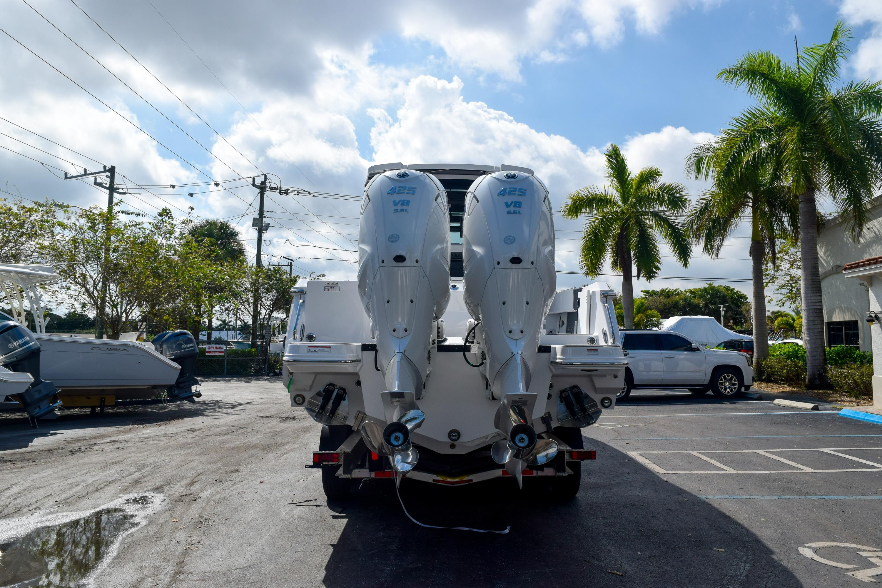 Thumbnail 3 for New 2020 Blackfin 332CC Center Console boat for sale in Fort Lauderdale, FL
