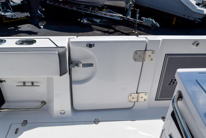 Thumbnail 39 for New 2020 Blackfin 332CC Center Console boat for sale in Fort Lauderdale, FL