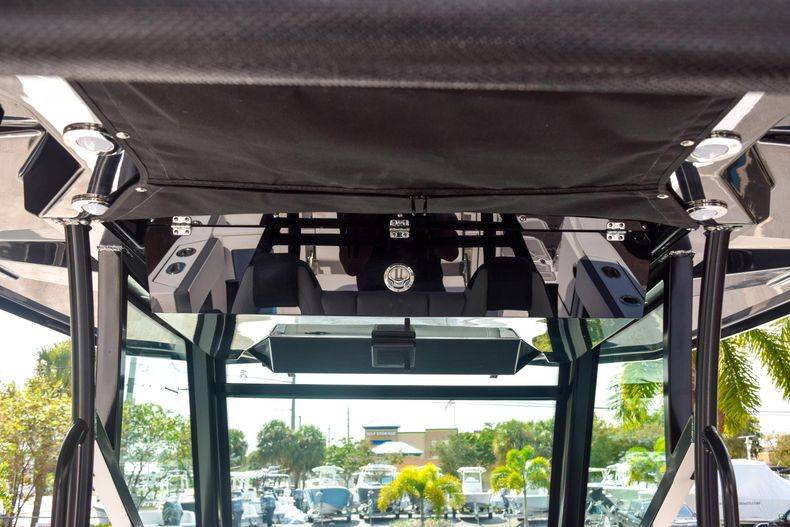 Thumbnail 44 for New 2020 Blackfin 332CC Center Console boat for sale in Fort Lauderdale, FL
