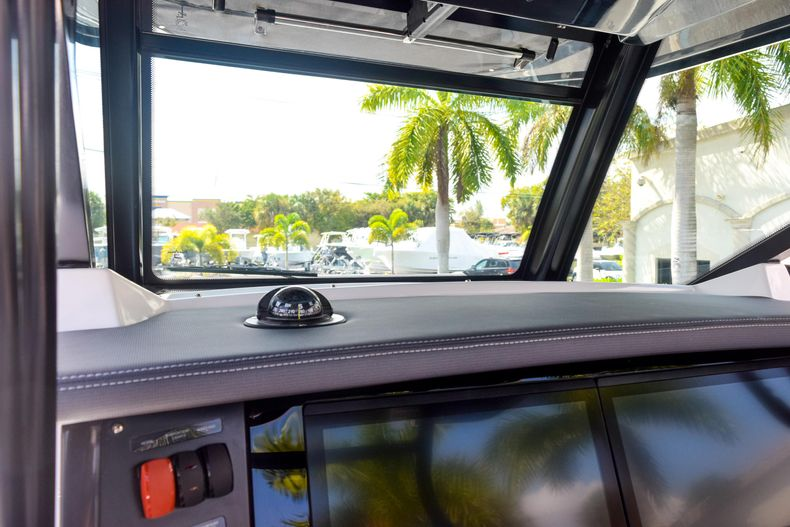Thumbnail 54 for New 2020 Blackfin 332CC Center Console boat for sale in Fort Lauderdale, FL