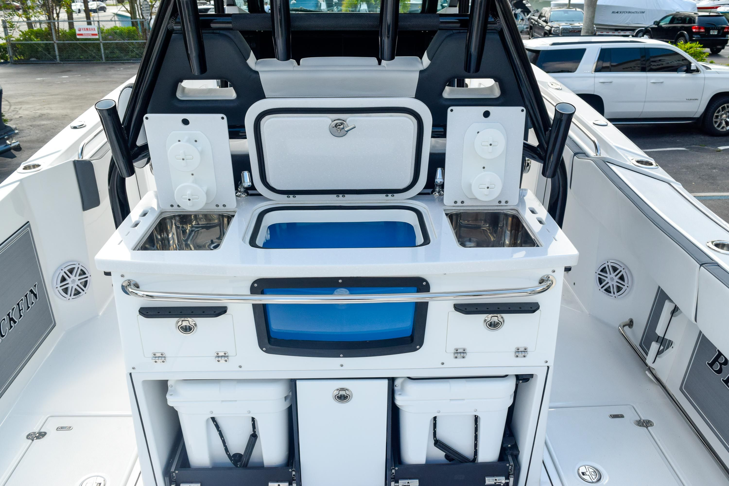 Thumbnail 30 for New 2020 Blackfin 332CC Center Console boat for sale in Fort Lauderdale, FL