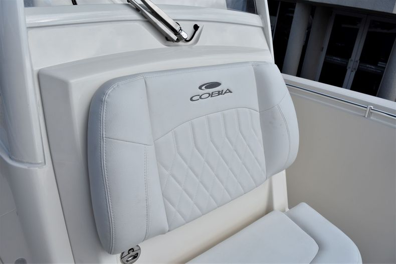 Thumbnail 24 for New 2020 Cobia 301 CC Center Console boat for sale in West Palm Beach, FL