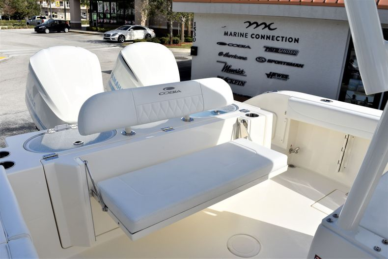 Thumbnail 17 for New 2020 Cobia 301 CC Center Console boat for sale in West Palm Beach, FL