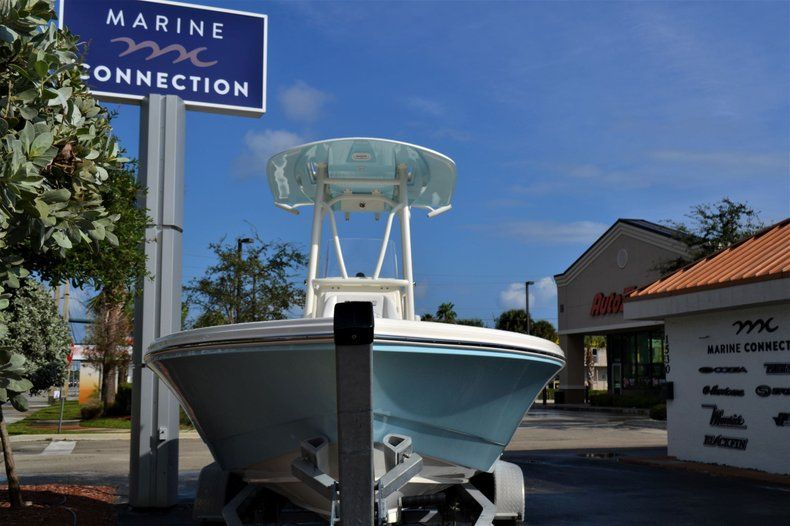 Thumbnail 2 for New 2020 Pathfinder 2600 HPS Bay Boat boat for sale in Fort Lauderdale, FL