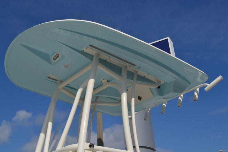 Thumbnail 4 for New 2020 Pathfinder 2600 HPS Bay Boat boat for sale in Fort Lauderdale, FL