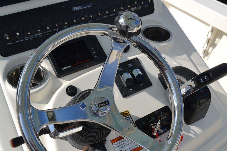 Thumbnail 17 for New 2020 Pathfinder 2600 HPS Bay Boat boat for sale in Fort Lauderdale, FL