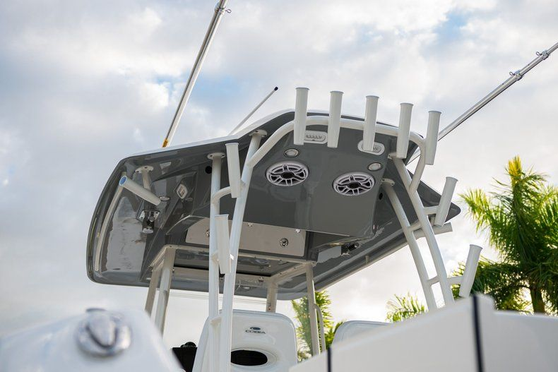 Thumbnail 8 for New 2020 Cobia 320 CC Center Console boat for sale in West Palm Beach, FL