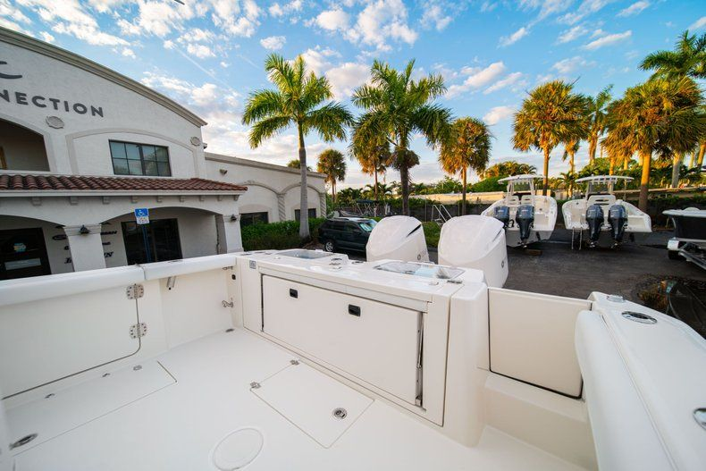 Thumbnail 14 for New 2020 Cobia 320 CC Center Console boat for sale in West Palm Beach, FL