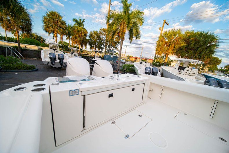Thumbnail 12 for New 2020 Cobia 320 CC Center Console boat for sale in West Palm Beach, FL