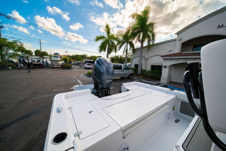 Thumbnail 9 for New 2020 Sportsman Masters 227 Bay Boat boat for sale in Vero Beach, FL