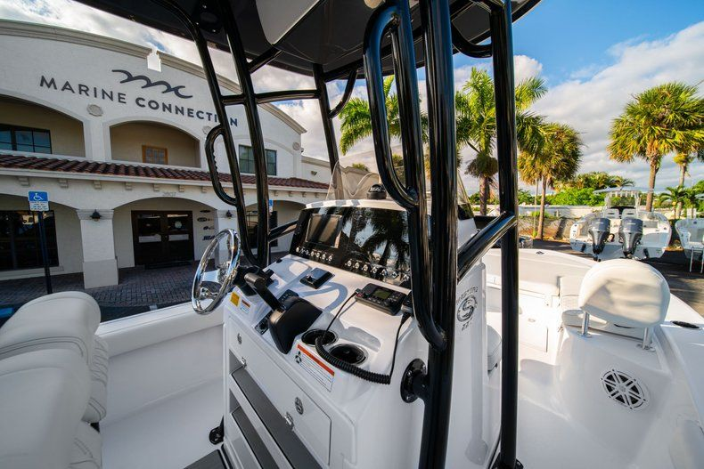 Thumbnail 17 for New 2020 Sportsman Masters 227 Bay Boat boat for sale in Vero Beach, FL