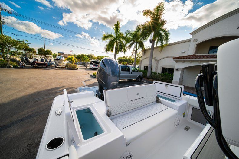 Thumbnail 10 for New 2020 Sportsman Masters 227 Bay Boat boat for sale in Vero Beach, FL