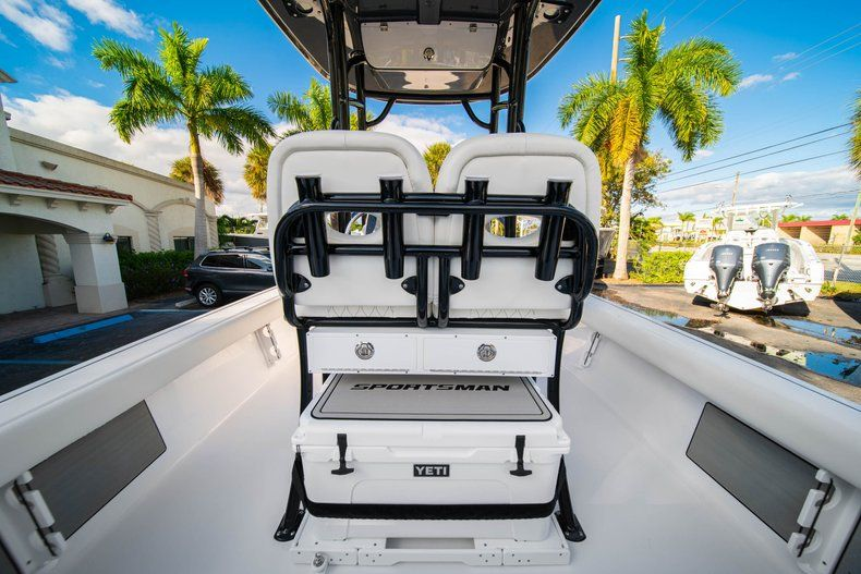 Thumbnail 13 for New 2020 Sportsman Masters 227 Bay Boat boat for sale in Vero Beach, FL