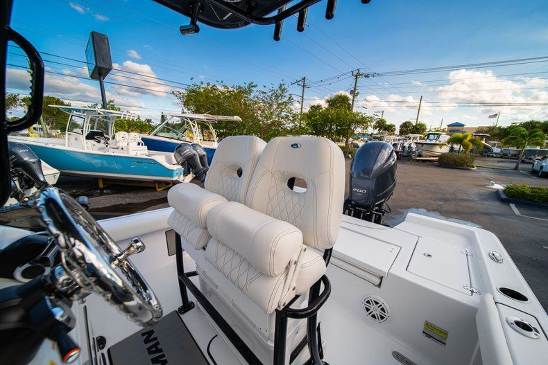 Thumbnail 26 for New 2020 Sportsman Masters 227 Bay Boat boat for sale in Vero Beach, FL