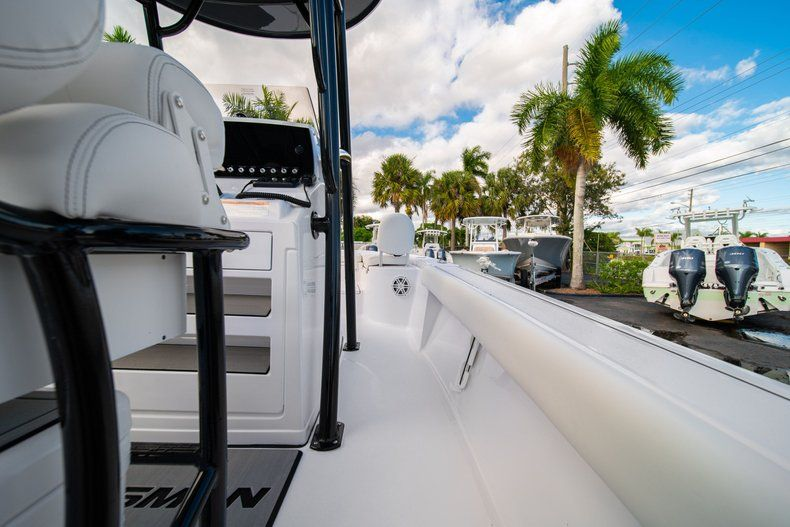 Thumbnail 15 for New 2020 Sportsman Masters 227 Bay Boat boat for sale in Vero Beach, FL