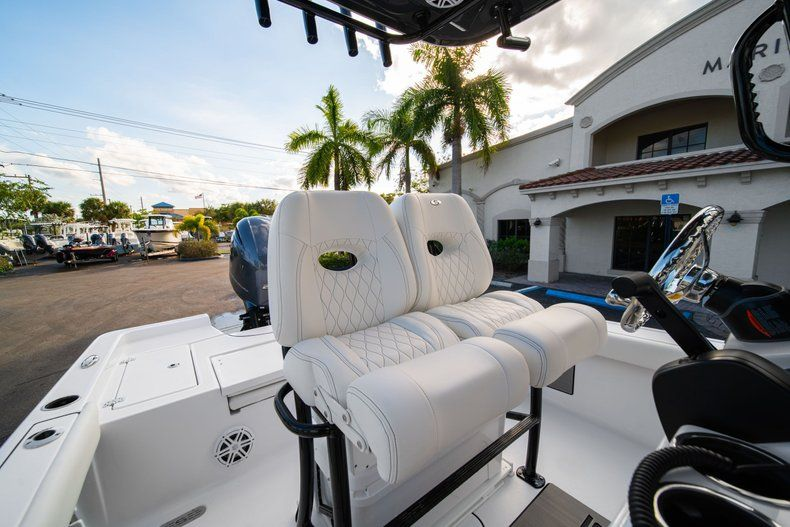Thumbnail 25 for New 2020 Sportsman Masters 227 Bay Boat boat for sale in Vero Beach, FL