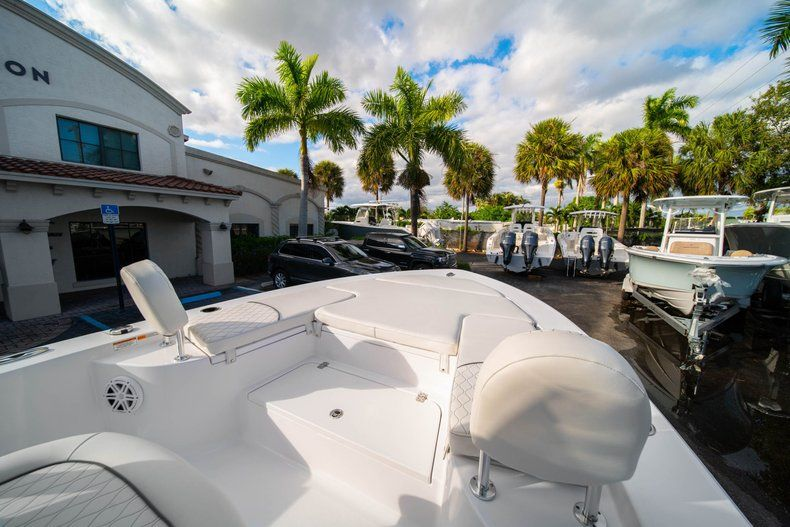 Thumbnail 30 for New 2020 Sportsman Masters 227 Bay Boat boat for sale in Vero Beach, FL