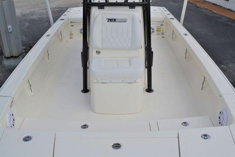 Thumbnail 18 for New 2020 Pathfinder 2500 Hybrid Bay Boat boat for sale in Fort Lauderdale, FL