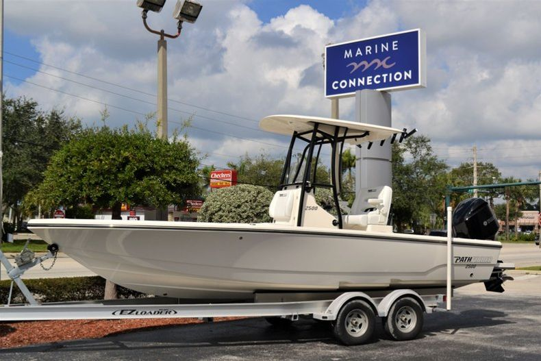 Photo for 2020 Pathfinder 2500 Hybrid Bay Boat