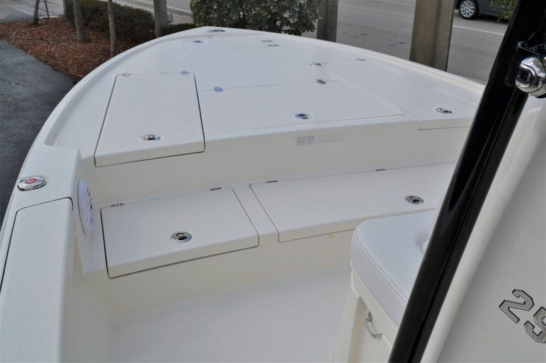 Thumbnail 12 for New 2020 Pathfinder 2500 Hybrid Bay Boat boat for sale in Fort Lauderdale, FL