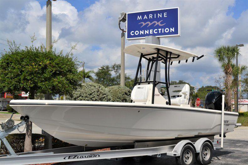 Thumbnail 1 for New 2020 Pathfinder 2500 Hybrid Bay Boat boat for sale in Fort Lauderdale, FL