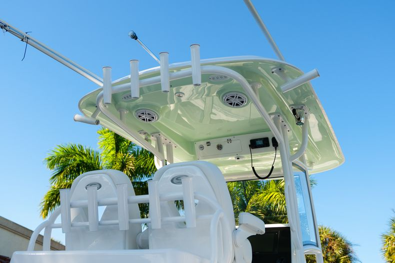 Thumbnail 8 for New 2020 Sportsman Open 282TE Center Console boat for sale in Miami, FL