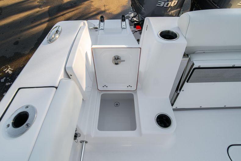 Thumbnail 12 for New 2020 Sportsman Open 282TE Center Console boat for sale in Miami, FL