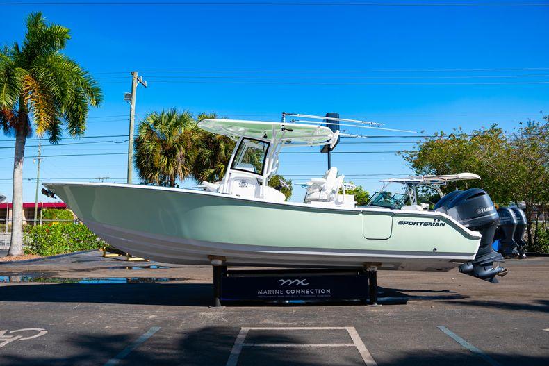 Thumbnail 4 for New 2020 Sportsman Open 282TE Center Console boat for sale in Miami, FL