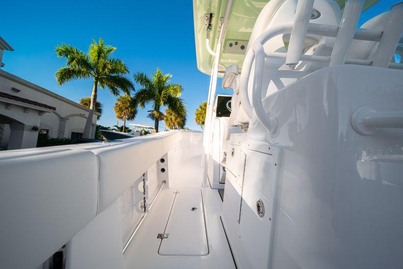 Thumbnail 22 for New 2020 Sportsman Open 282TE Center Console boat for sale in Miami, FL