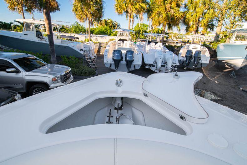 Thumbnail 48 for New 2020 Sportsman Open 282TE Center Console boat for sale in Miami, FL