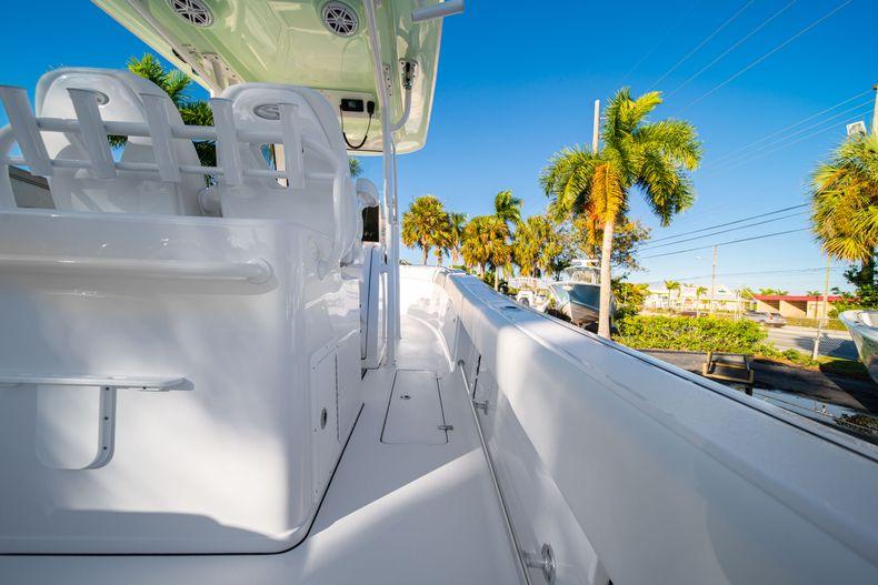 Thumbnail 17 for New 2020 Sportsman Open 282TE Center Console boat for sale in Miami, FL
