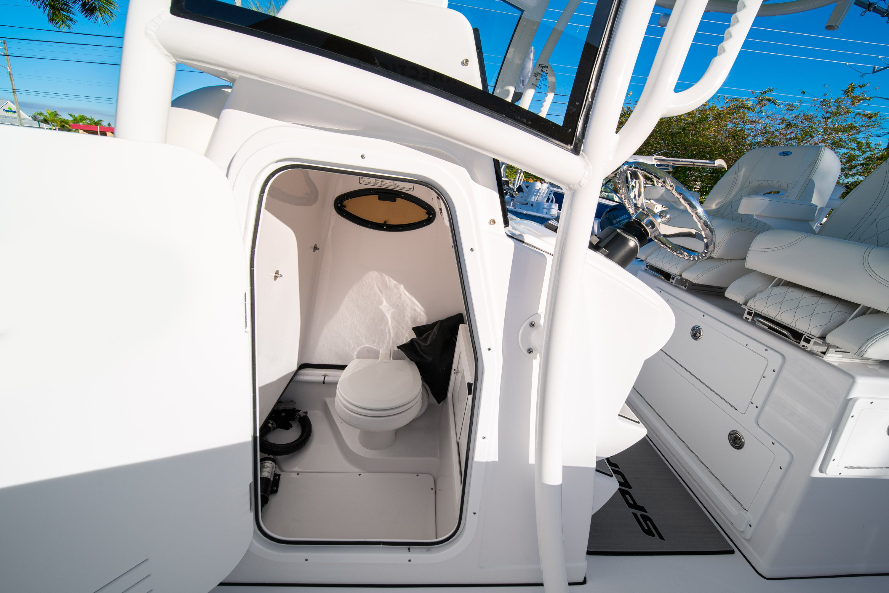 Thumbnail 42 for New 2020 Sportsman Open 282TE Center Console boat for sale in Vero Beach, FL