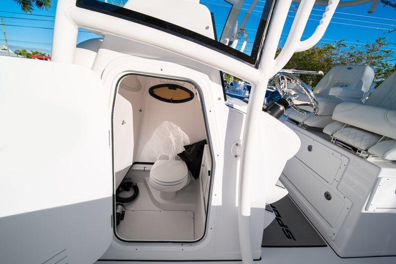Thumbnail 42 for New 2020 Sportsman Open 282TE Center Console boat for sale in Miami, FL