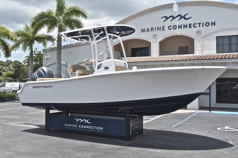 Thumbnail 1 for New 2019 Sportsman Heritage 211 Center Console boat for sale in West Palm Beach, FL